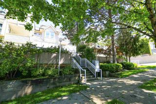 """Photo 14: 208 3709 PENDER Street in Burnaby: Willingdon Heights Townhouse for sale in """"LEXINGTON NORTH"""" (Burnaby North)  : MLS®# R2421868"""