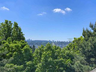 """Photo 9: 208 3709 PENDER Street in Burnaby: Willingdon Heights Townhouse for sale in """"LEXINGTON NORTH"""" (Burnaby North)  : MLS®# R2421868"""