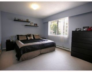 """Photo 4: 125 W 6TH Street in North_Vancouver: Lower Lonsdale Townhouse for sale in """"WILLOW PLACE"""" (North Vancouver)  : MLS®# V781980"""