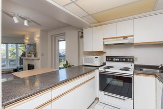 "Photo 9: 205 2428 W 1ST Avenue in Vancouver: Kitsilano Condo for sale in ""NOBLE HOUSE"" (Vancouver West)  : MLS®# R2450860"
