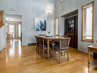 Photo 7: 99 Woodbrook Road SW in Calgary: Woodbine Detached for sale : MLS®# C4300567