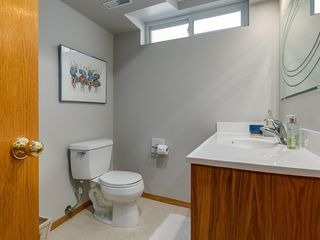 Photo 34: 99 Woodbrook Road SW in Calgary: Woodbine Detached for sale : MLS®# C4300567