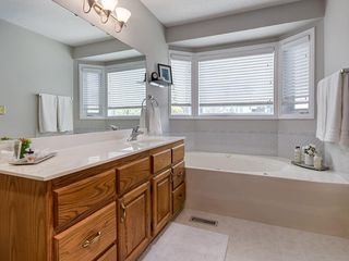 Photo 24: 99 Woodbrook Road SW in Calgary: Woodbine Detached for sale : MLS®# C4300567