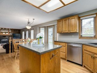 Photo 10: 99 Woodbrook Road SW in Calgary: Woodbine Detached for sale : MLS®# C4300567