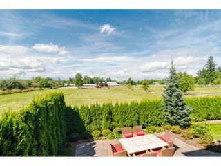 "Photo 33: 17677 68A Avenue in Surrey: Cloverdale BC House for sale in ""PROVINCETON"" (Cloverdale)  : MLS®# R2486533"