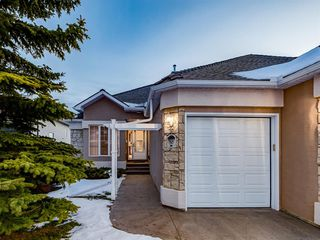 Photo 2: 30 SCIMITAR Court NW in Calgary: Scenic Acres Semi Detached for sale : MLS®# A1027323