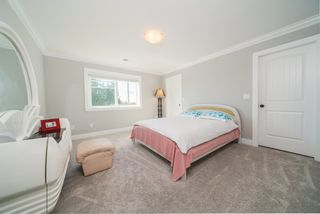 Photo 23: 6078 181A STREET Street in Surrey: Cloverdale BC House for sale (Cloverdale)  : MLS®# R2492359