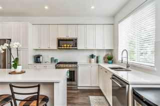 """Photo 11: 10 127 172 Street in White Rock: Pacific Douglas Townhouse for sale in """"The Eagles"""" (South Surrey White Rock)  : MLS®# R2493766"""