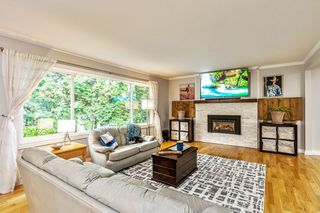 Photo 2: 16362 14A Avenue in Surrey: King George Corridor House for sale (South Surrey White Rock)  : MLS®# R2510249