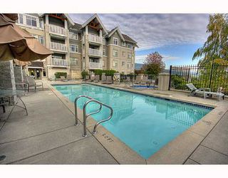 "Photo 10: 102 1420 PARKWAY Boulevard in Coquitlam: Westwood Plateau Condo for sale in ""THE MONTREAUX"" : MLS®# V792954"