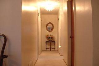 Photo 5: 45 Forsythia Drive in Toronto: House (Bungalow) for sale (E08: TORONTO)  : MLS®# E1875516