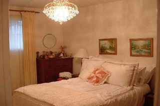 Photo 6: 45 Forsythia Drive in Toronto: House (Bungalow) for sale (E08: TORONTO)  : MLS®# E1875516