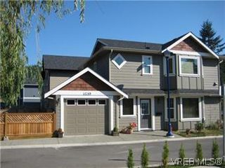 Photo 1: 3248 Blue Spruce Lane in VICTORIA: La Happy Valley Single Family Detached for sale (Langford)  : MLS®# 560145