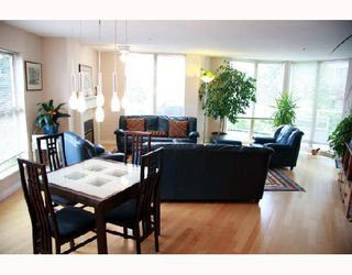"""Photo 2: 104 68 RICHMOND Street in New_Westminster: Fraserview NW Condo for sale in """"GATEHOUSE PLACE"""" (New Westminster)  : MLS®# V736681"""
