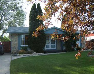 Photo 1: 35 TRANQUILITY Cove in WINNIPEG: North Kildonan Single Family Detached for sale (North East Winnipeg)  : MLS®# 2710534