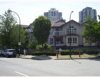 "Photo 1: PH1 5355 BOUNDARY Road in Vancouver: Collingwood VE Condo for sale in ""CENTRAL PLACE"" (Vancouver East)  : MLS®# V777162"