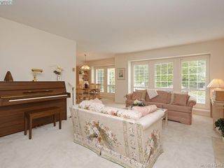Photo 2: 1195 Sunnygrove Terr in VICTORIA: SE Sunnymead House for sale (Saanich East)  : MLS®# 819899