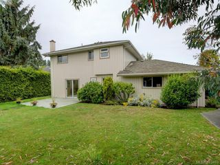Photo 32: 1195 Sunnygrove Terrace in VICTORIA: SE Sunnymead Single Family Detached for sale (Saanich East)  : MLS®# 413463