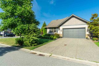 """Main Photo: 3815 CAVES Court in Abbotsford: Abbotsford East House for sale in """"Sandyhill"""" : MLS®# R2407106"""