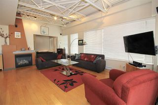 "Photo 2: 501 549 COLUMBIA Street in New Westminster: Downtown NW Condo for sale in ""c2c lofts"" : MLS®# R2443283"