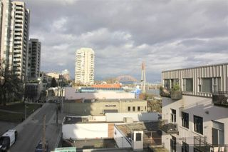 "Photo 17: 501 549 COLUMBIA Street in New Westminster: Downtown NW Condo for sale in ""c2c lofts"" : MLS®# R2443283"