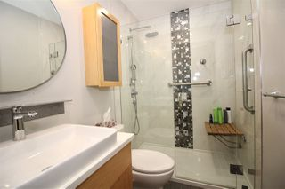 "Photo 15: 501 549 COLUMBIA Street in New Westminster: Downtown NW Condo for sale in ""c2c lofts"" : MLS®# R2443283"