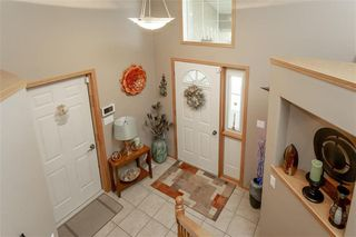 Photo 6: 64 Edelweiss Crescent in Niverville: R07 Residential for sale : MLS®# 202013038