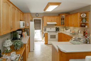 Photo 13: 64 Edelweiss Crescent in Niverville: R07 Residential for sale : MLS®# 202013038