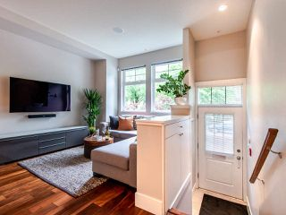 "Photo 3: 507 E 7TH Avenue in Vancouver: Mount Pleasant VE Townhouse for sale in ""Vantage"" (Vancouver East)  : MLS®# R2472829"