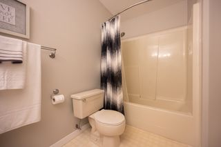 "Photo 18: 107 8260 162A Avenue in Surrey: Fleetwood Tynehead Townhouse for sale in ""Fleetwood Meadows"" : MLS®# R2499066"