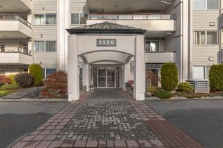 "Photo 2: 302 2526 LAKEVIEW Crescent in Abbotsford: Central Abbotsford Condo for sale in ""MILL SPRING MANOR"" : MLS®# R2519449"