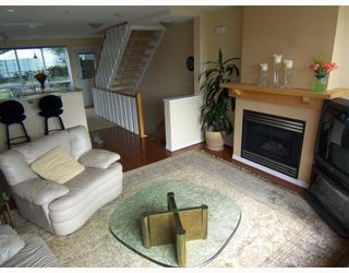 "Photo 4: 6717 VILLAGE Grove in Burnaby: Highgate Townhouse for sale in ""THE MONTEREY"" (Burnaby South)  : MLS®# V787313"