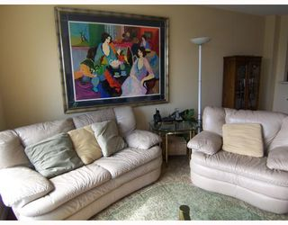 """Photo 5: 6717 VILLAGE Grove in Burnaby: Highgate Townhouse for sale in """"THE MONTEREY"""" (Burnaby South)  : MLS®# V787313"""