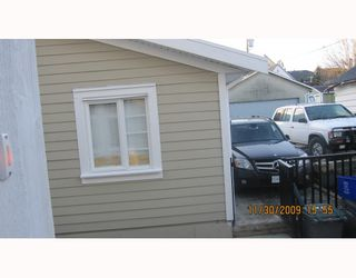 Photo 10: 1663 VICTORIA Drive in Vancouver: Grandview VE House 1/2 Duplex for sale (Vancouver East)  : MLS®# V799750