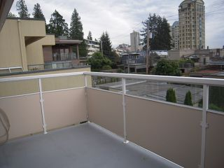 Photo 8: 2322 MARINE Drive in West Vancouver: Dundarave 1/2 Duplex for sale : MLS®# V824033