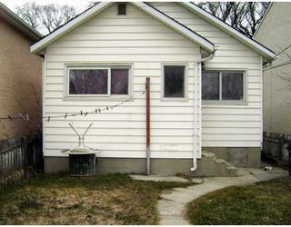 Photo 2: 580 BANNERMAN Avenue in WINNIPEG: North End Residential for sale (North West Winnipeg)  : MLS®# 2906157