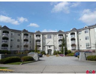 "Photo 1: 105 5677 208TH Street in Langley: Langley City Condo for sale in ""IVY LEA AT THE MEADOWS"" : MLS®# F2908370"
