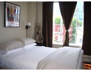 """Photo 9: 403 1566 W 13TH Avenue in Vancouver: Fairview VW Condo for sale in """"ROYAL GARDENS"""" (Vancouver West)  : MLS®# V768607"""