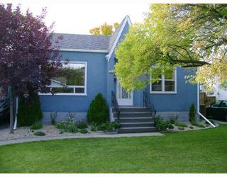 Photo 1: 406 SACKVILLE Street in WINNIPEG: St James Residential for sale (West Winnipeg)  : MLS®# 2818045