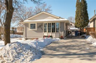 Photo 2: 2 Brookshire Street in Winnipeg: Lakeside Meadows Residential for sale (3K)  : MLS®# 202004342