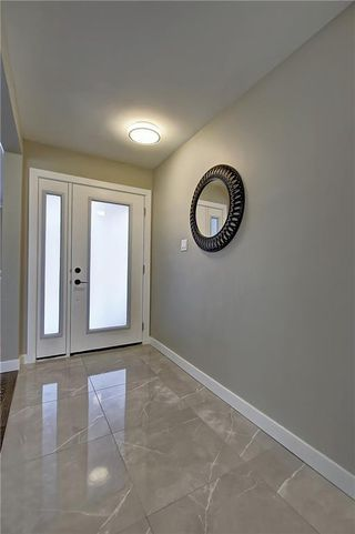 Photo 3: 34 Southampton Drive SW in Calgary: Southwood Detached for sale : MLS®# C4293284