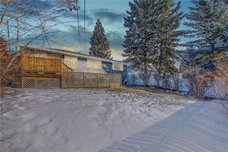 Photo 2: 34 Southampton Drive SW in Calgary: Southwood Detached for sale : MLS®# C4293284