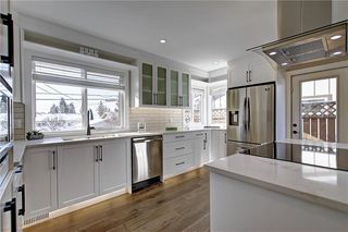 Photo 8: 34 Southampton Drive SW in Calgary: Southwood Detached for sale : MLS®# C4293284