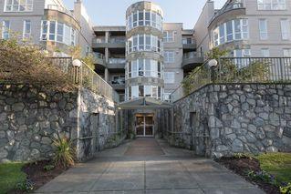 Photo 1: 205 2428 W 1ST AVENUE in Vancouver: Kitsilano Condo for sale (Vancouver West)  : MLS®# R2450860