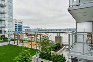 "Photo 22: 707 988 QUAYSIDE Drive in New Westminster: Quay Condo for sale in ""Riversky 2 by Bosa"" : MLS®# R2457923"