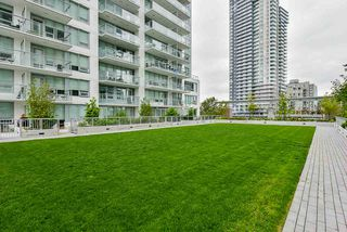 "Photo 25: 707 988 QUAYSIDE Drive in New Westminster: Quay Condo for sale in ""Riversky 2 by Bosa"" : MLS®# R2457923"