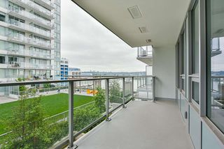 "Photo 21: 707 988 QUAYSIDE Drive in New Westminster: Quay Condo for sale in ""Riversky 2 by Bosa"" : MLS®# R2457923"