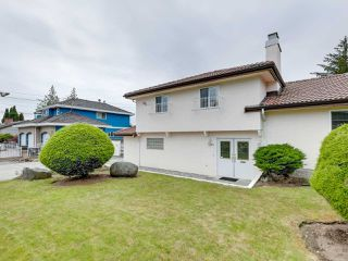 Photo 4: 3565 CHRISDALE Avenue in Burnaby: Government Road House for sale (Burnaby North)  : MLS®# R2467805