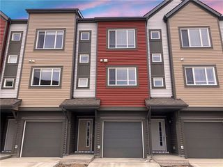 Main Photo: 64 COPPERSTONE Villa SE in Calgary: Copperfield Row/Townhouse for sale : MLS®# C4255061