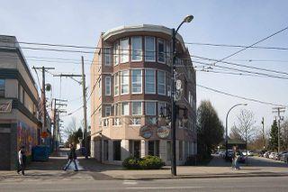 "Main Photo: 102 1688 E 8TH Avenue in Vancouver: Grandview Woodland Condo for sale in ""LA RESIDENZA"" (Vancouver East)  : MLS®# R2495355"